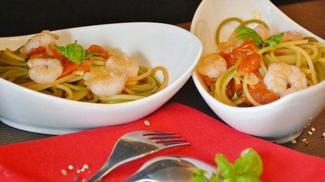 Receta de espaguetis con salsa de langostinos picantes