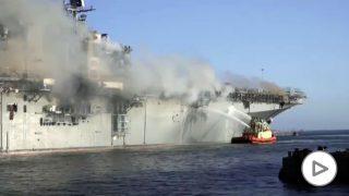 incendio-buque-guerra