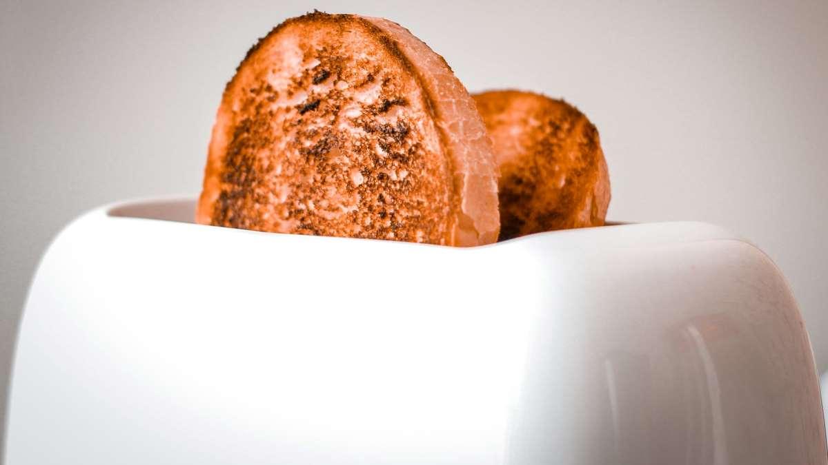 La tostadora es un elemento muy útil para preparar nuestros desayunos