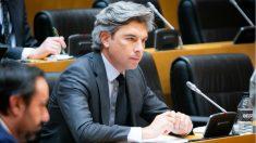 El portavoz del PP en la Comisión de Transportes, Andrés Lorite, en el Congreso. (Foto: EP)