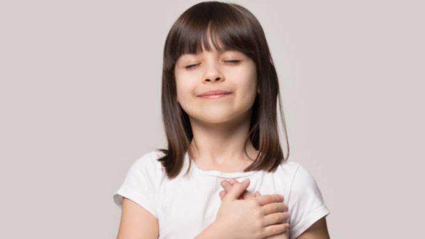 Cómo educar a los niños sobre la bondad