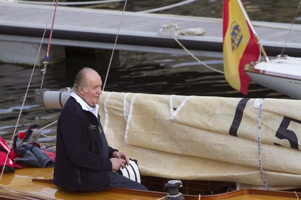 El Rey Emérito a bordo del barco 'Bribón'.