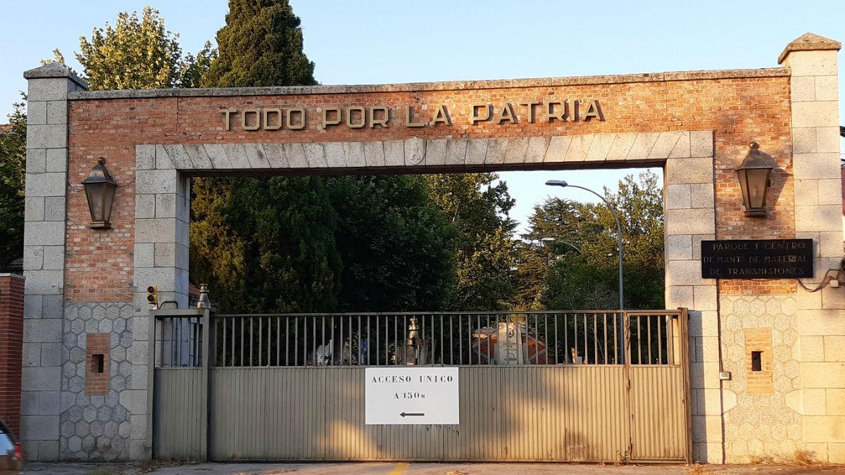 Un cuartel del Ejército con el lema «Todo por la patria». (Foto: ARMH)