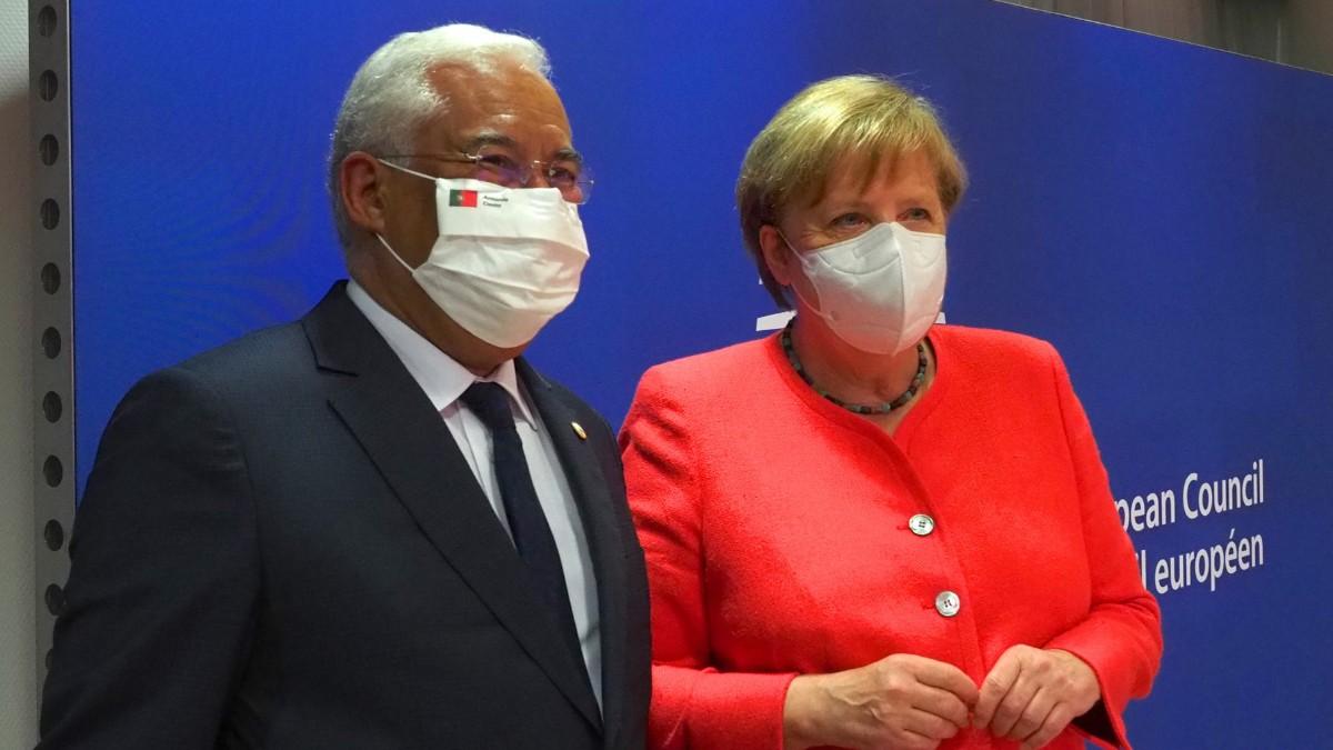 El primer ministro de Portugal, Antonio Costa, y la canciller alemana Angela Merkel.