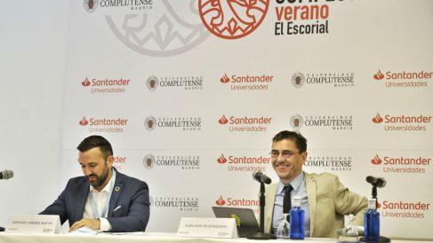 Santiago Jiménez Martín, director Adjunto Gabinete Vicepresidente Segundo, y Juan Carlos Monedero, director del Instituto 25M de Podemos. (Foto: Europa Press)
