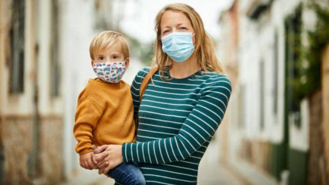 """La OMS advierte que decidir dónde y con quién ir es una decisión de """"vida o muerte"""" por el coronavirus"""