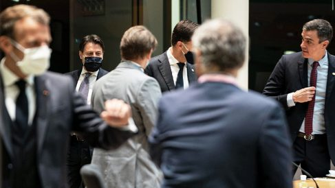 Pedro Sánchez en la cumbre europea que abordó el fondo de recuperación (Europa Press)