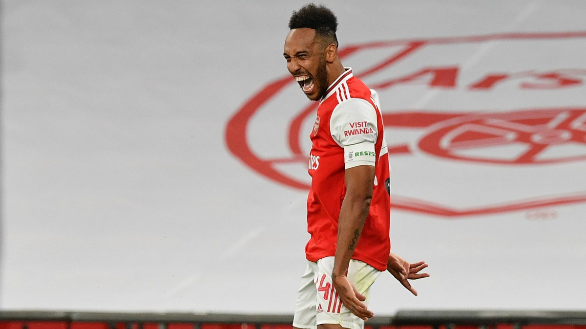 Aubameyang celebra un gol con el Arsenal. (Getty)