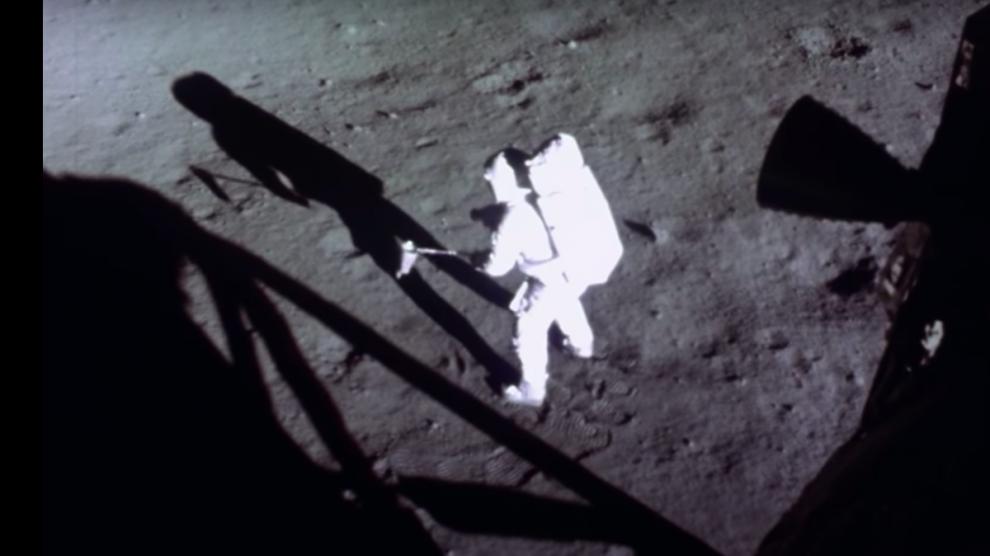 Youtube: Un experto en IA mejora los vídeos del hombre en la Luna
