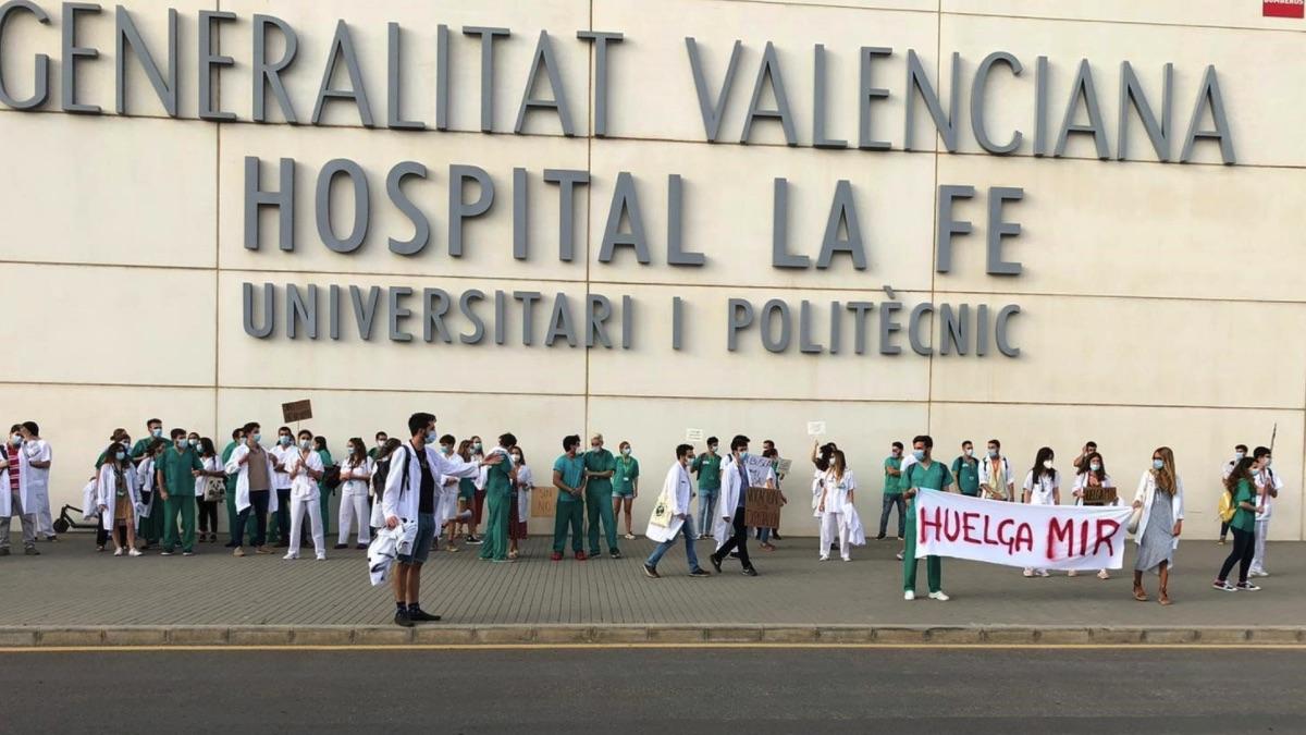 Médicos MIR en huelga en la Comunidad Valenciana. (Foto: EP)