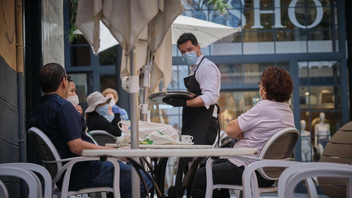 Andalucía celebra que ya es la comunidad en la que más cae el paro: 21.901 desempleados menos en julio.