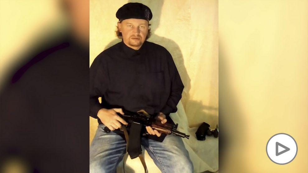El hombre armado que ha secuestrado un autobús en el oeste de Ucrania.