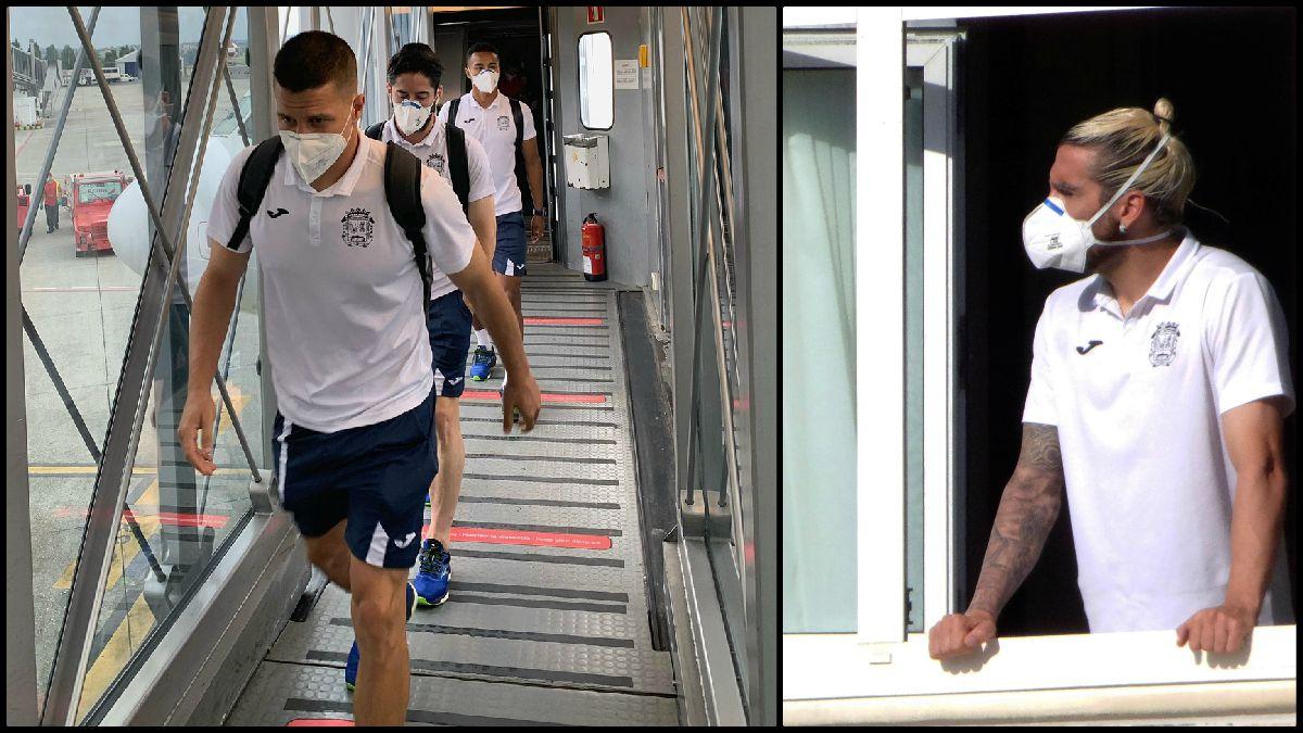 Los jugadores del Fuenlabrada en su viaje a La Coruña. (EFE)