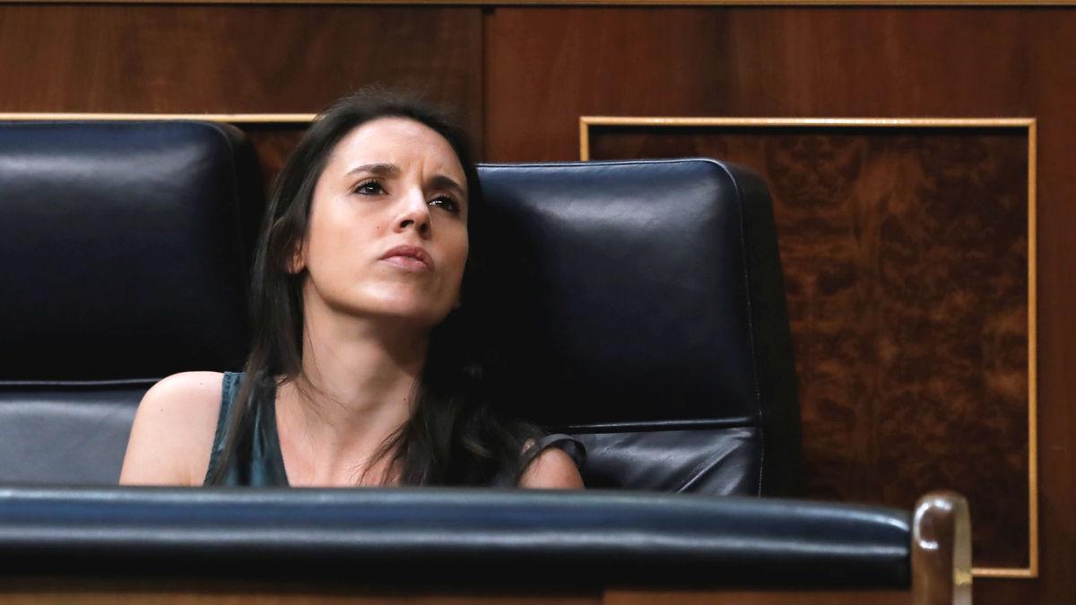 La ministra de Igualdad, Irene Montero, durante una sesión en el Congreso de los Diputados. (Foto: Efe)