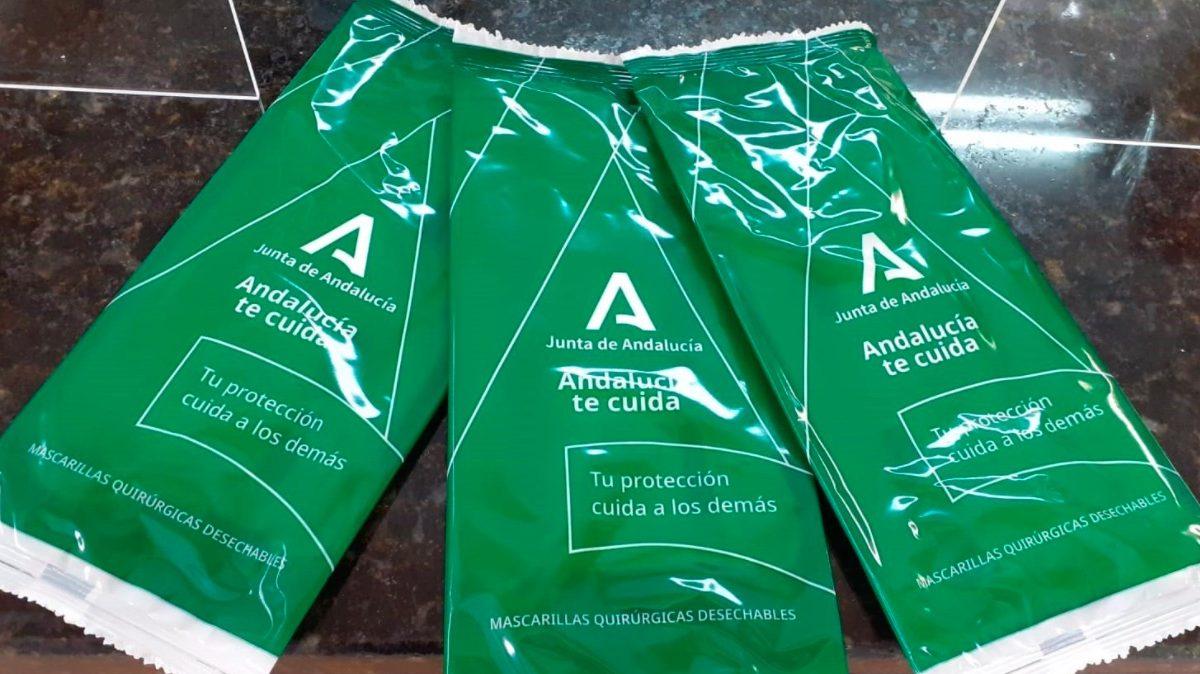 Mascarillas ofrecidas gratuitamente por la Junta de Andalucía.
