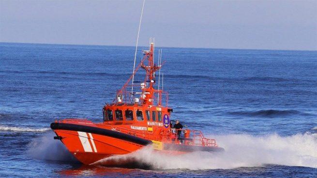 Caos en Almería: naufraga una patera que deja un muerto y seis desaparecidos.