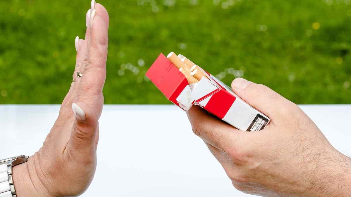 Coronavirus no fumar en lugares públicos
