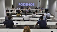 Pablo Iglesias preside la primera reunión ejecutiva de Podemos en su nueva sede. (Foto: Podemos)