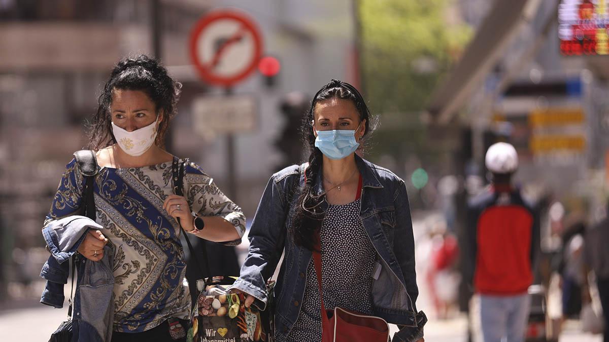 La mascarilla se ha convertido en una obligación en casi toda España.