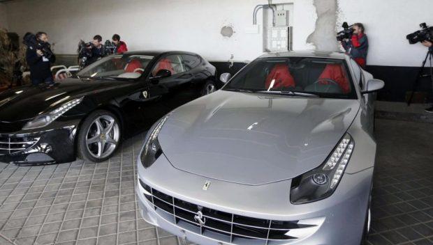 Localizamos los dos Ferrari de 700.000 € regalados a Juan Carlos I que según el CNI tenía Corinna en Mónaco