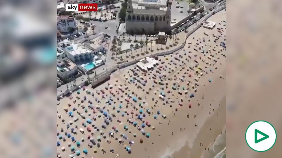 Sky News se hace eco del ejemplar comportamiento de los andaluces en la playa de Chipiona