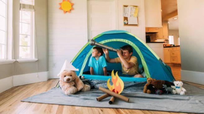 niños en casa verano