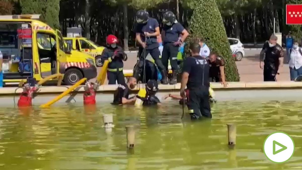 Un joven de 16 años muere al ser succionado por una fuente en la que se bañaba