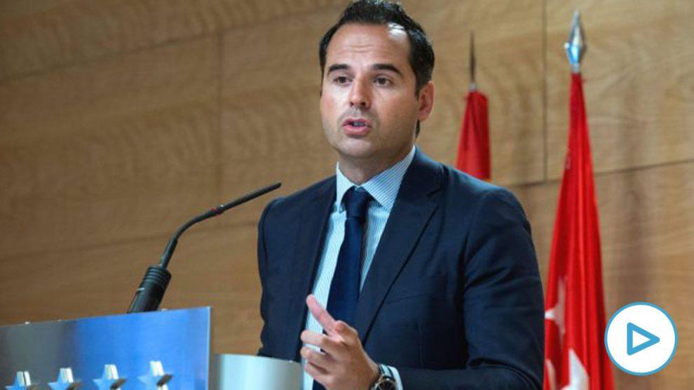 El vicepresidente de la Comunidad de Madrid, Ignacio Aguado, da una rueda de prensa tras la reunión del Consejo de Gobierno, este miércoles, en Madrid. (Foto: Efe)