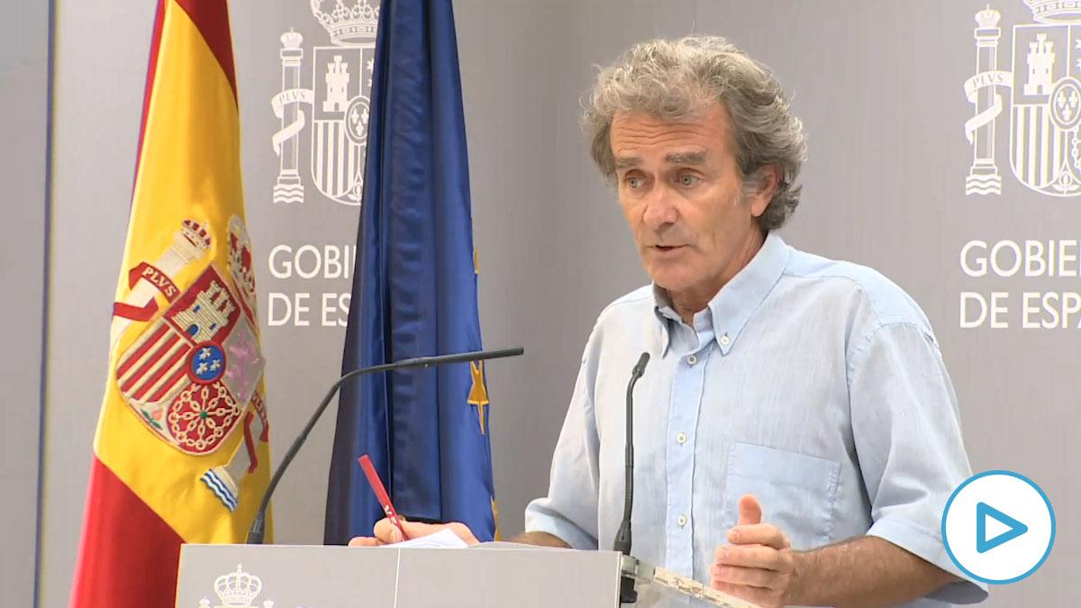 Fernando Simón responde sobre sus vacaciones de surf en Portugal.