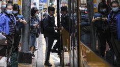 Parada de un autobús en Hong Kong.