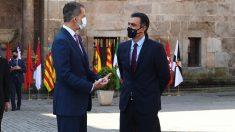 Felipe VI y Pedro Sánchez. (Foto: Moncloa)