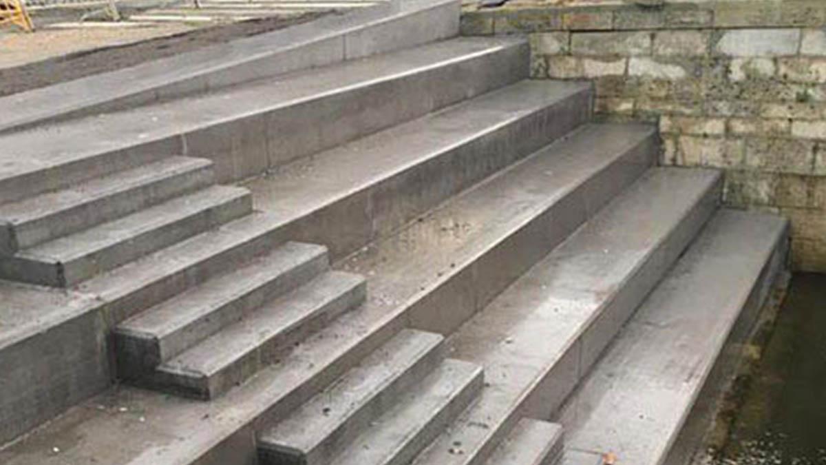 Las nuevas escaleras del puente de O Burgo de Pontevedra. (PP Pontevedra)