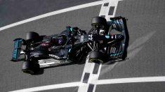 Lewis Hamilton durante la clasificación para el Gran Premio de Gran Bretaña. (AFP)