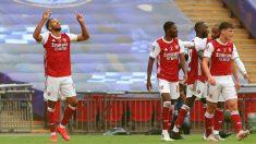 Los jugadores del Arsenal celebran un gol de Aubameyang en la final de la FA Cup. (Getty)