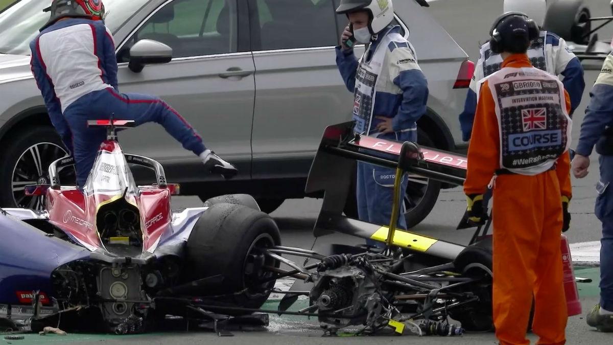 Así quedó el coche de Oli Caldwell tras el accidente.