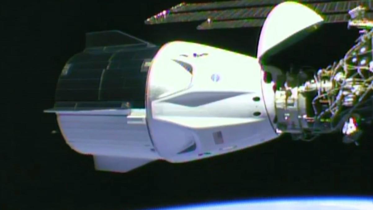 Imagen de la nave Crew Dragon Endeavour tras atracar por primera vez a la Estación Espacial. – NASA – Archivo