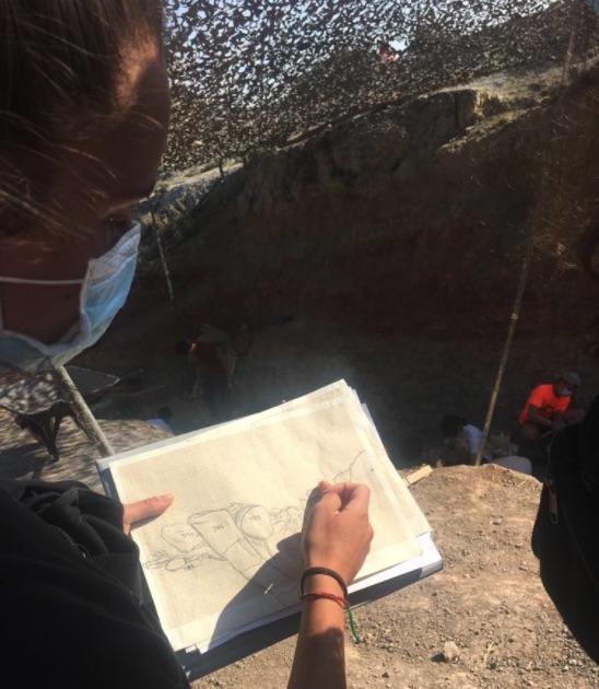 La cuarta campaña de excavaciones en Torrelara (Burgos) se salda con el fémur de un saurópodo