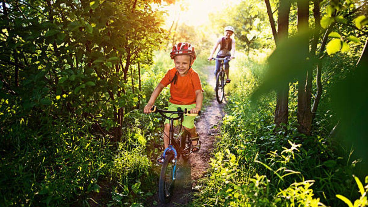 Qué beneficios tiene la bicicleta para los niños