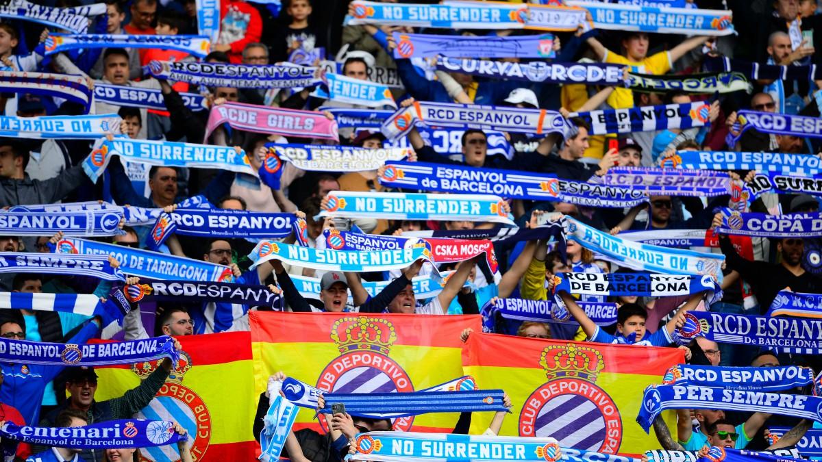 La afición del Espanyol durante un partido de Liga. (AFP)