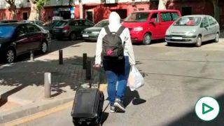 """Desokupación Legal expulsa a los delincuentes de casa de Paola tras meses de calvario: """"Han destrozado todo""""."""