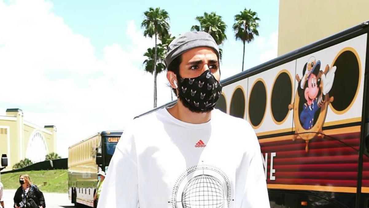 Ricky Rubio, con su mascarilla.