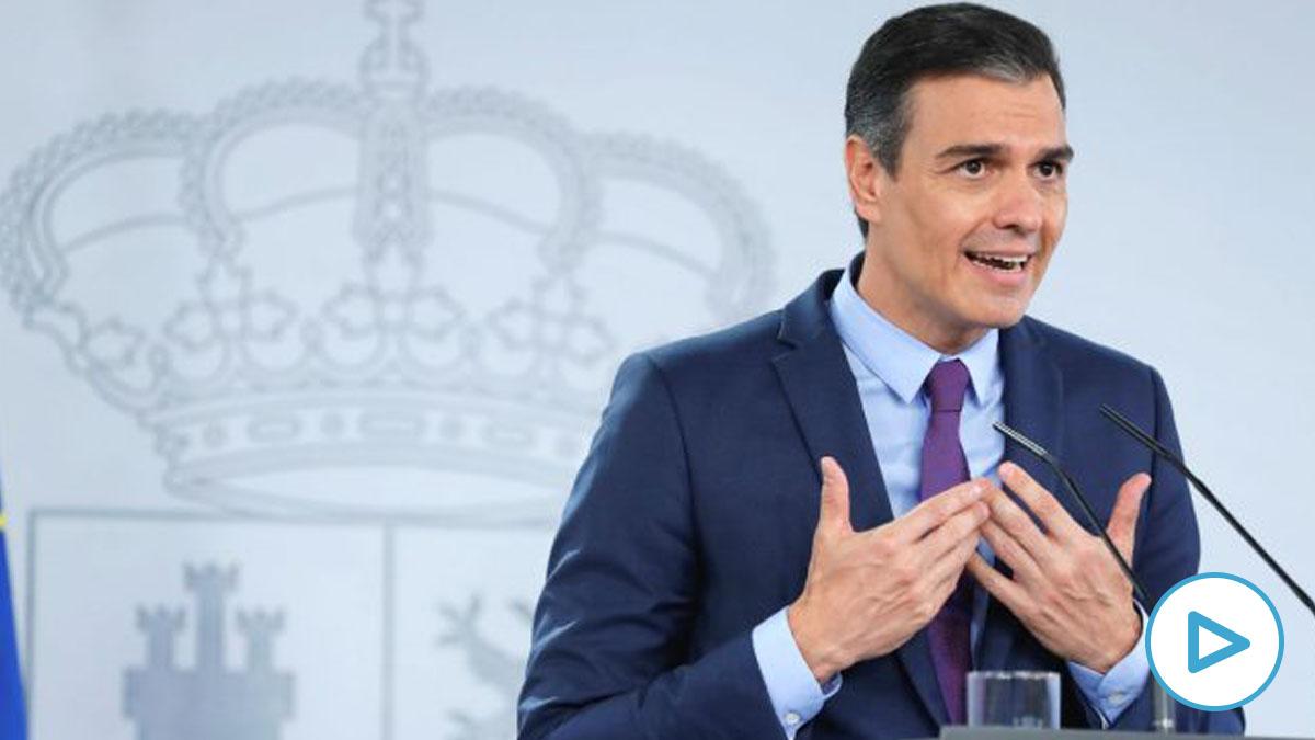 El presidente del Gobierno, Pedro Sánchez, este mediodía en el Palacio de la Moncloa. (Foto: Efe)