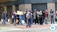 Inmigrantes frente a la Institución Ferial de Albacete