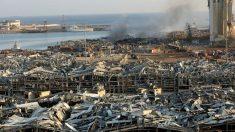 La zona del puerto de Beirut, donde se produjo la terrible explosión, totalmente devastada. Foto: AFP