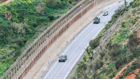La Guardia Civil lo califica de «inaudito»: un inmigrante salta la valla de Ceuta ¡para volver a Marruecos!