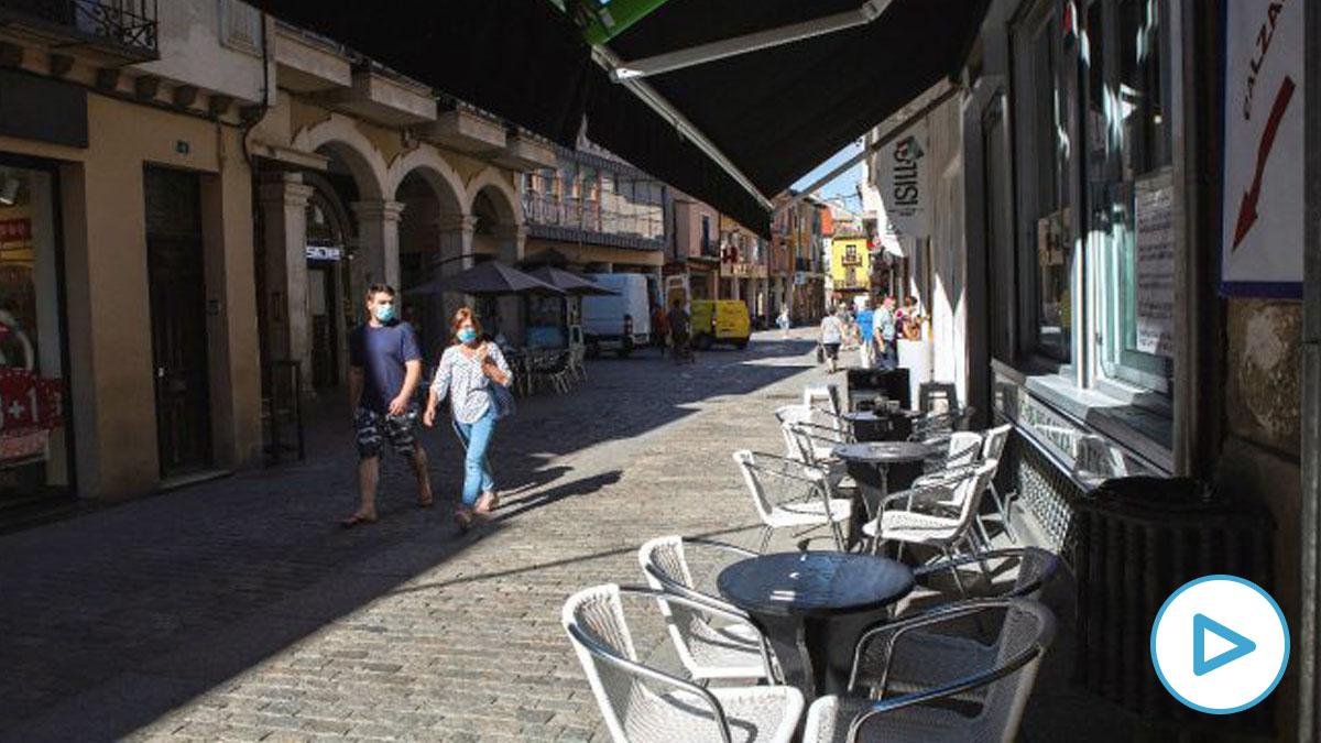 Una terraza vacía este miércoles en Aranda de Duero (Burgos). (Foto: Efe)