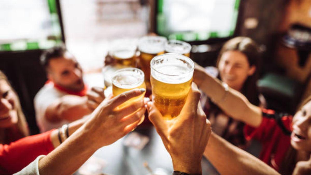 Descubre cuál es el origen y motivo para celebrar un día dedicado a la cerveza