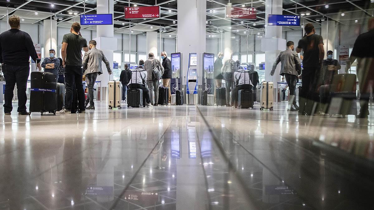 Imagen del aeropuerto de Dusseldorf, semivacío a causa de la pandemia.