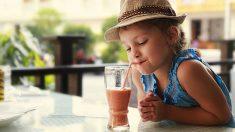 Recetas refrescantes de batidos de frutas para los niños