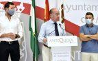 Una familiar del secretario general del PSOE en Málaga difunde un bulo para atacar al alcalde de Antequera